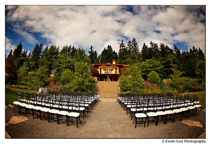 Oregon Vineyard wedding at the Garden Vineyards