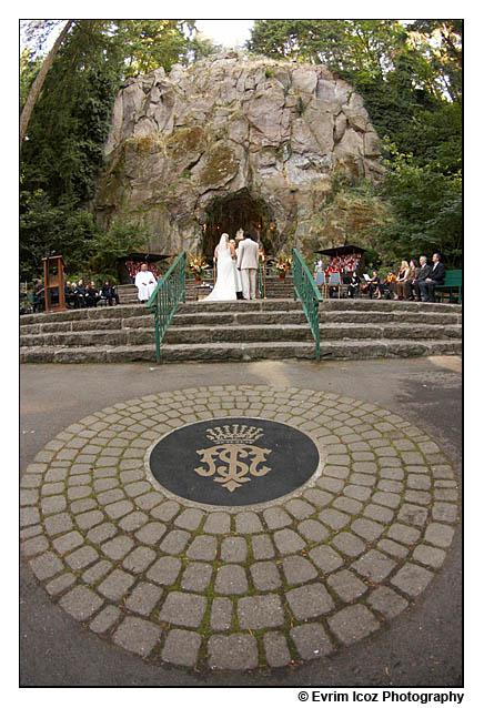 grotto wedding portland art museum