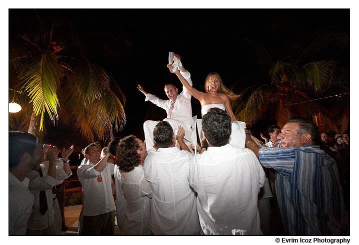 Zihuatanejo Wedding Photography at the tides