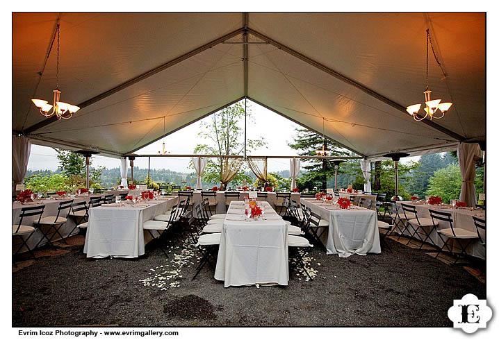 Rainy Oregon Vineyard Wedding