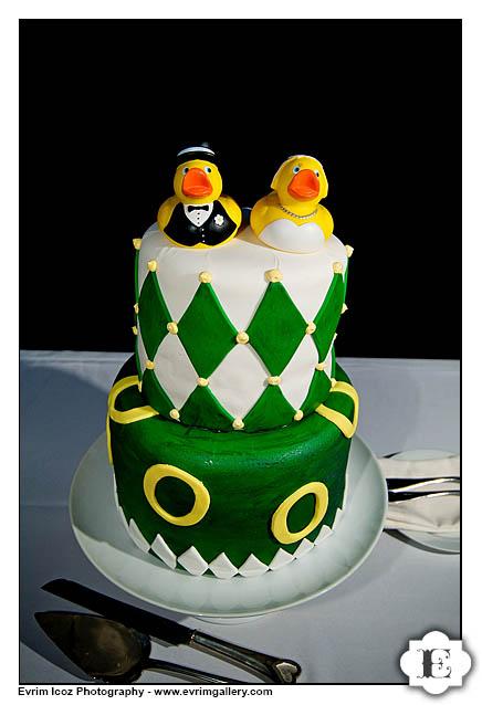 Oregon Ducks Wedding Cake