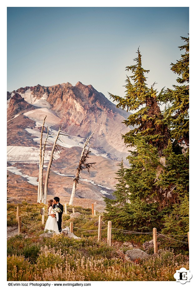 Timberline Lodge Summer Mt. Hood Wedding