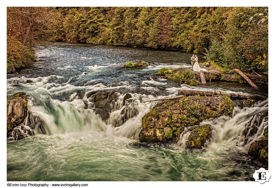 barn-wedding-white-salmon-06.jpg