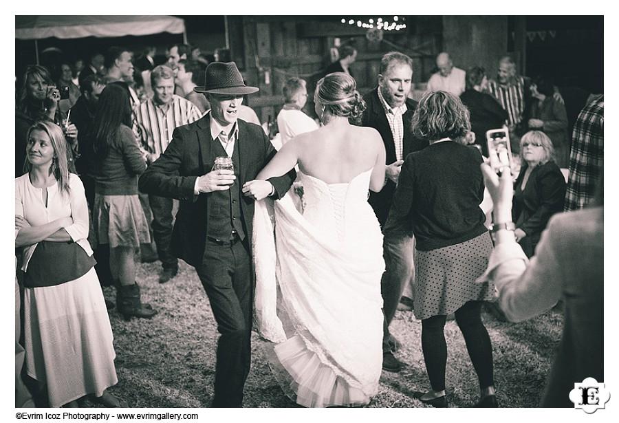 Barn Wedding at Washington White Salmon