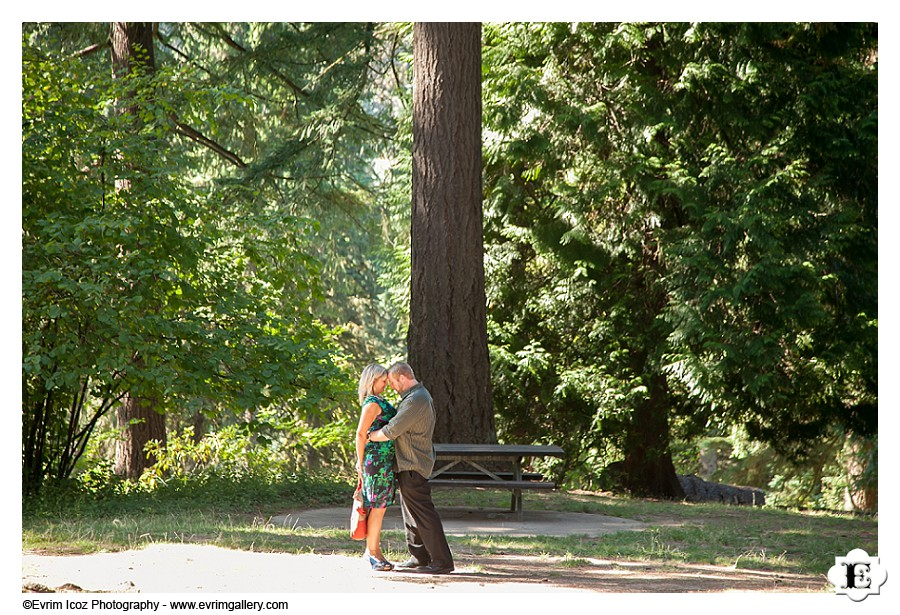 Wedding at Stevens pavilion at Hoyt Arboretum, Portland, Oregon
