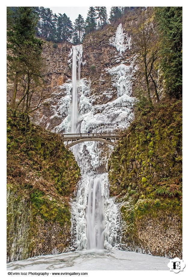 Winter Snow Frozen Multnomah Falls Oregon