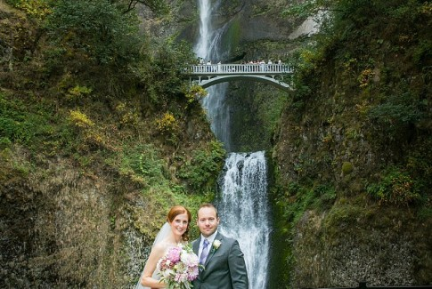 multnomah-falls-lodge-wedding-03.jpg